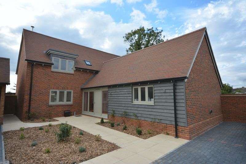 5 Bedrooms Property for sale in Church Street, West Hanney, Wantage