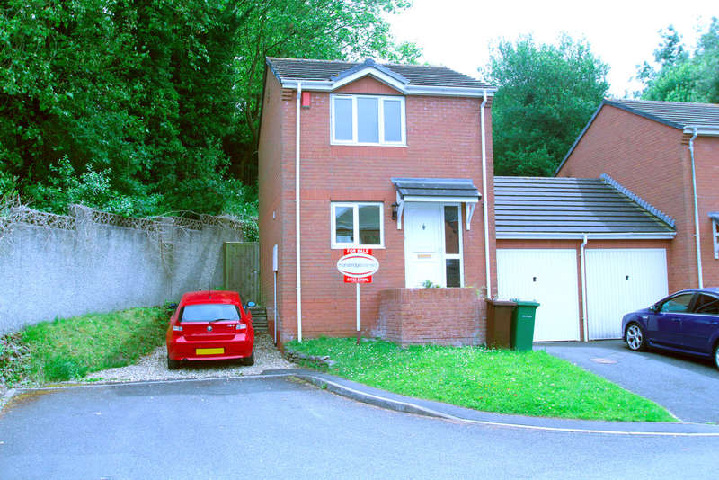 2 Bedrooms Semi Detached House for sale in Milehouse, Plymouth