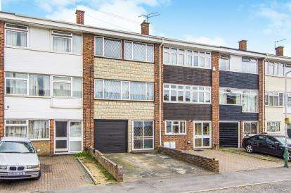 4 Bedrooms Terraced House for sale in Hornchurch