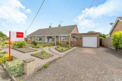 2 Bedrooms Bungalow for sale in Monks Lane, Audlem, Crewe, Cheshire