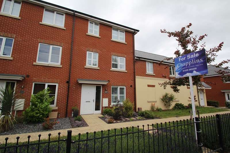 4 Bedrooms Town House for sale in Wickham Road, Fareham