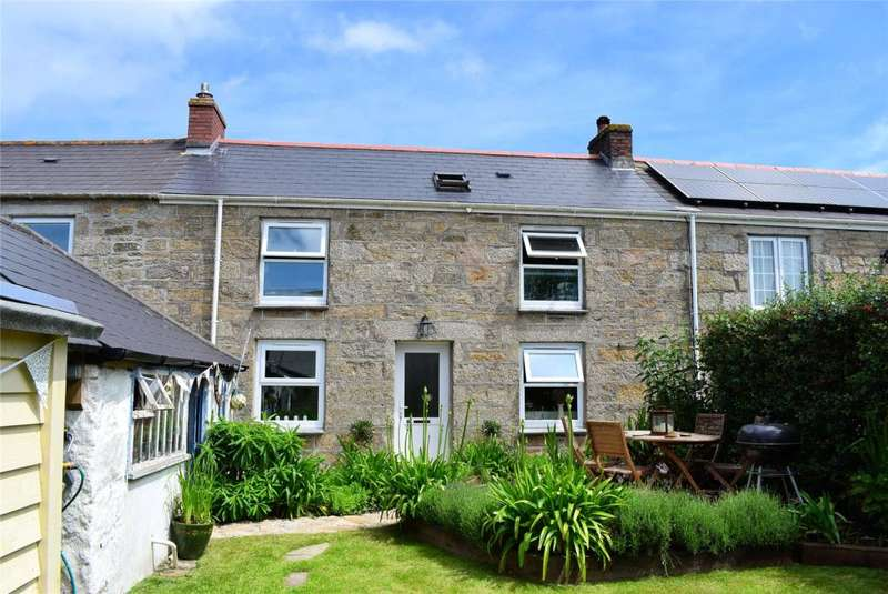 2 Bedrooms Terraced House for sale in Winns Row, HELSTON