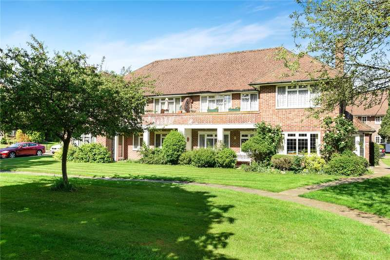 2 Bedrooms Maisonette Flat for sale in The Glen, Northwood, Middlesex, HA6