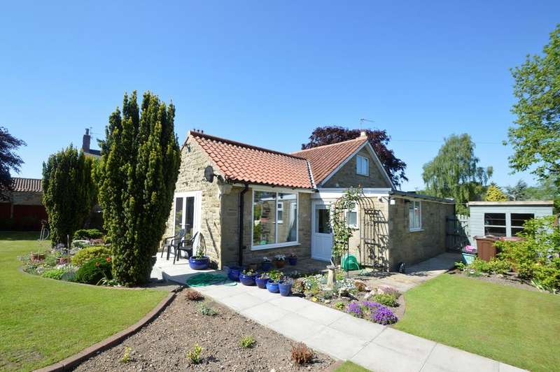 2 Bedrooms Detached Bungalow for sale in Norman Close, Pickering YO18