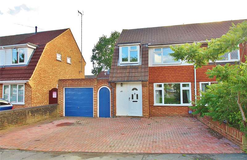 3 Bedrooms Semi Detached House for sale in Southwood Avenue, Knaphill, Woking, Surrey, GU21