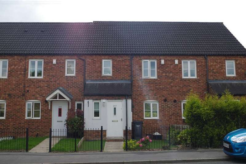 3 Bedrooms Town House for sale in Keighley Road, Illingworth, Halifax HX2
