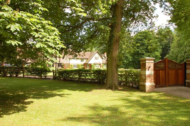 5 Bedrooms Detached House for sale in The Vache, Vache Lane, Chalfont St Giles, HP8