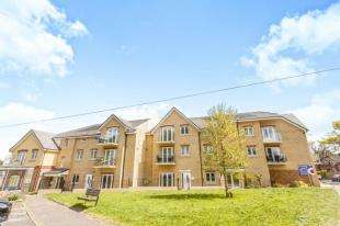 2 Bedrooms Flat for sale in Chaldon Road, Caterham On The Hill, Surrey
