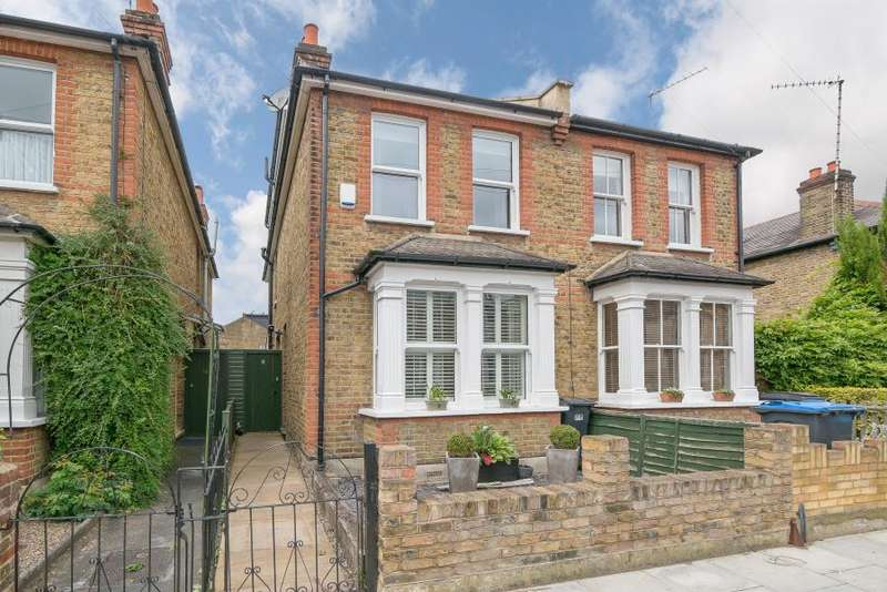 3 Bedrooms Semi Detached House for sale in Dawson road, Kingston upon Thames, KT1