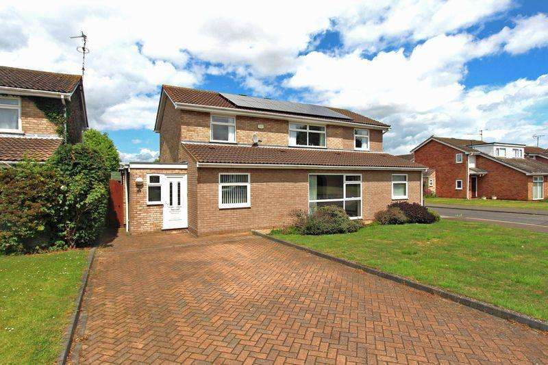 5 Bedrooms Detached House for sale in Bradwell Road, Peterborough