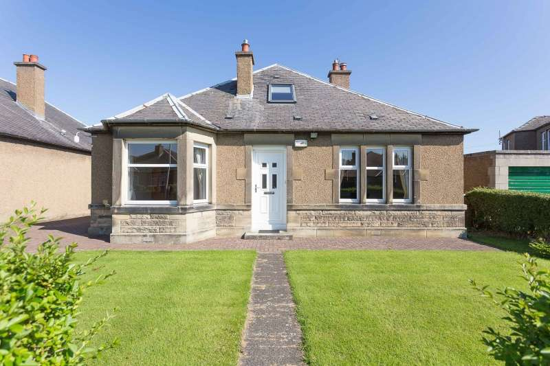 4 Bedrooms Bungalow for sale in House O'Hill Crescent, Blackhall, Edinburgh, EH4 5DH