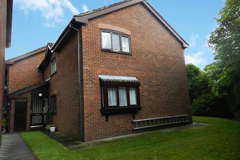 2 Bedrooms Retirement Property for sale in Chatburn Court, Culcheth, Warrington, WA3 5RB