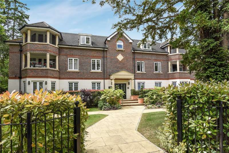 2 Bedrooms Apartment Flat for sale in Sambrook Court, Westfield Park, Pinner, Middlesex, HA5