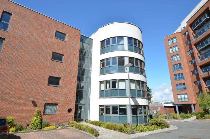 2 Bedrooms Apartment Flat for sale in Leeds Street, Liverpool, Merseyside, L3