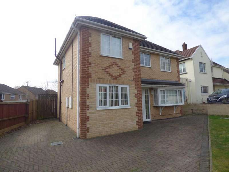 4 Bedrooms Detached House for sale in Bradley Road, Bradley, Huddersfield, West Yorkshire, HD2