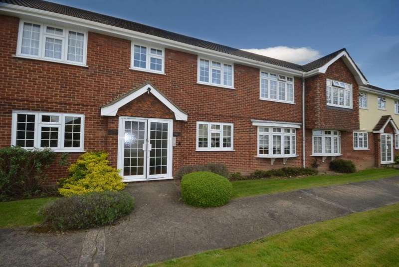 2 Bedrooms Apartment Flat for sale in Nelmes Court, Nelmes Way, Hornchurch, Essex, RM11