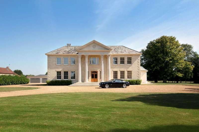 7 Bedrooms Detached House for sale in Threshers Bush, Essex, CM17