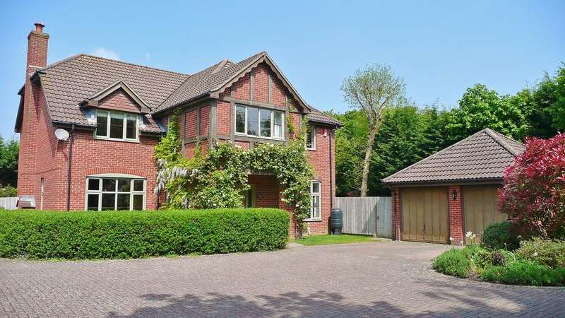 5 Bedrooms Detached House for sale in Storrington, Pulborough