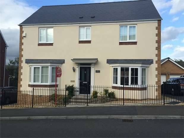 4 Bedrooms Detached House for sale in Pantyblawd Road, Llansamlet, Swansea, West Glamorgan