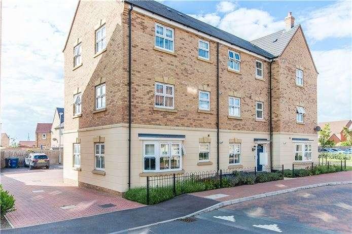2 Bedrooms Ground Flat for sale in Mitchcroft Road, Longstanton, Cambridge