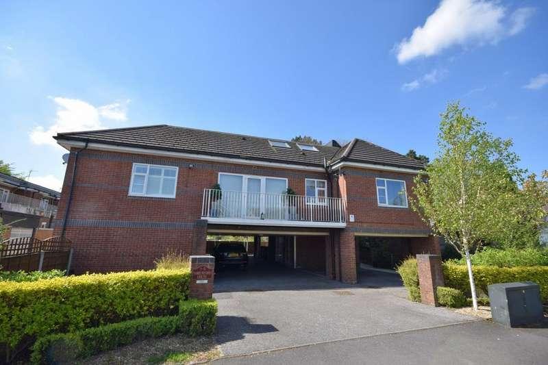 2 Bedrooms Apartment Flat for sale in Parklands Way, Poynton