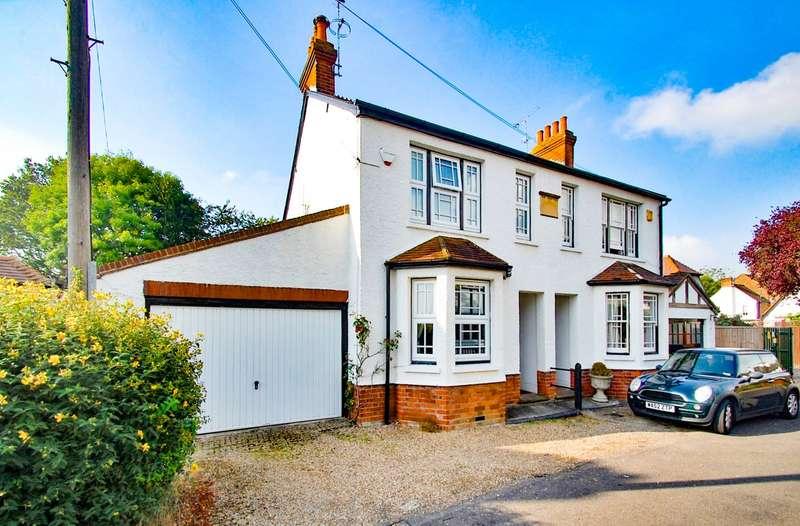 3 Bedrooms Semi Detached House for sale in The Queensway, Gerrards Cross, SL9