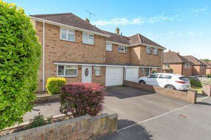 5 Bedrooms Semi Detached House for sale in Bedhampton, Havant, Hampshire