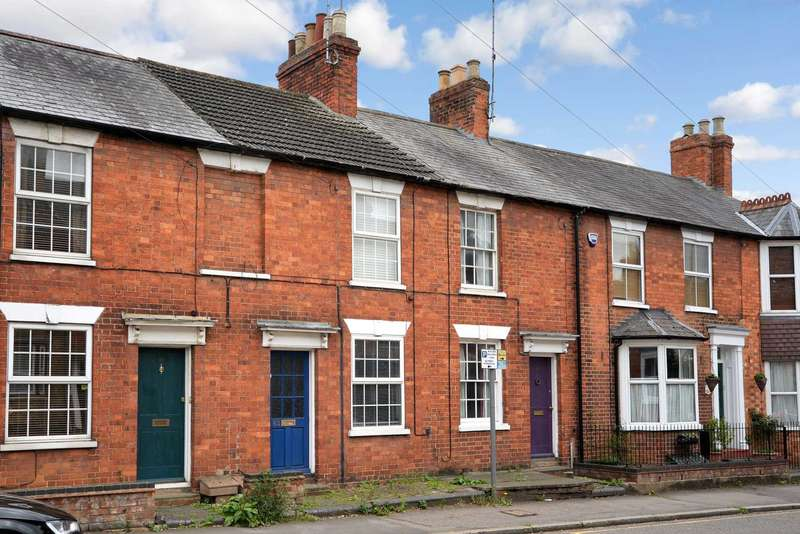 2 Bedrooms Terraced House for sale in Stony Stratford