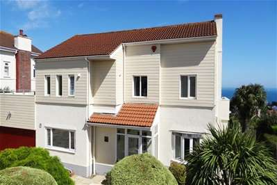 5 Bedrooms Detached House for sale in Mead Road, Torquay