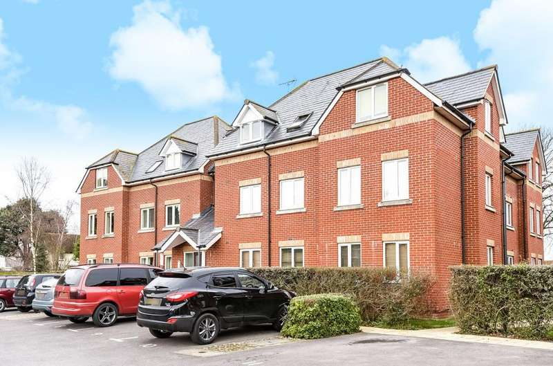 2 Bedrooms Flat for sale in Southdown Court, Bersted Street, Bognor Regis, PO22