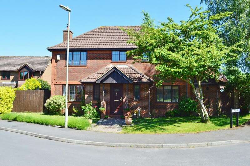 4 Bedrooms Detached House for sale in The Mews, Bramley