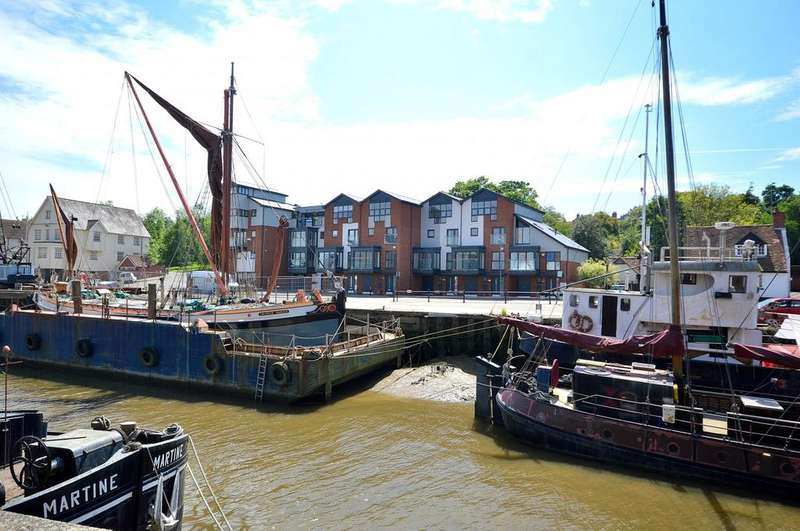4 Bedrooms Town House for sale in Fullbridge Quay, Maldon, Essex, CM9