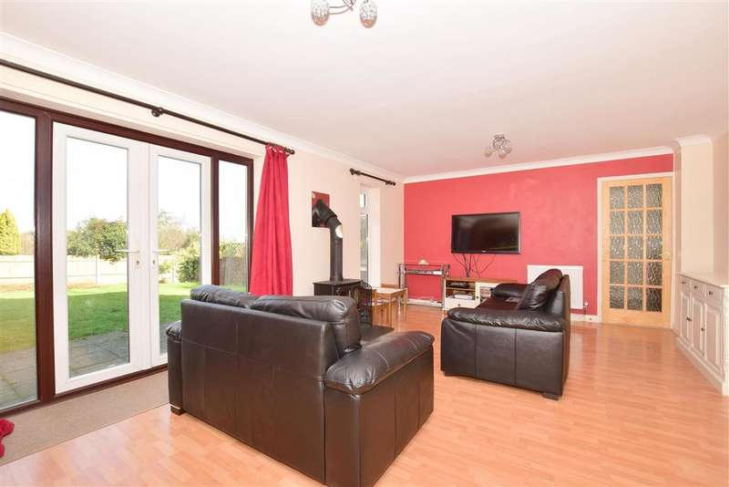 4 Bedrooms Detached House for sale in Hills Road, Steyning, West Sussex