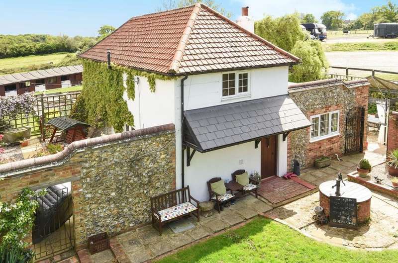 3 Bedrooms Farm House Character Property for sale in Little Leigh Farm Prospect Lane, Rowlands Castle, PO9