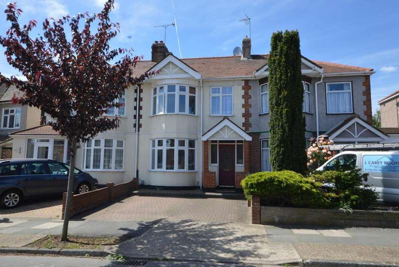 3 Bedrooms Terraced House for sale in Hamilton Avenue, Rise Park, Romford, RM1