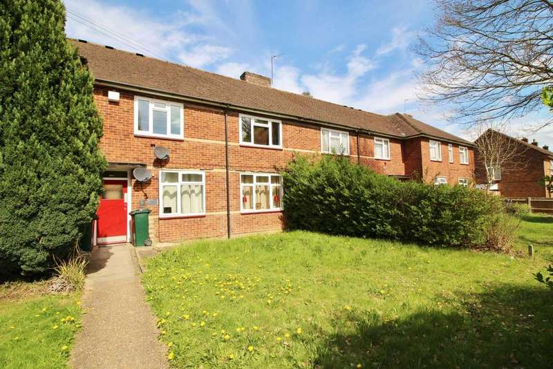 2 Bedrooms Flat for sale in Oxhey Drive, South Oxhey