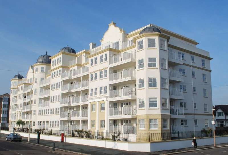 2 Bedrooms Flat for sale in Esplanade Grande, The Esplanade, Bognor Regis, PO21