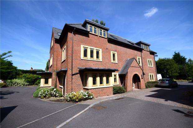2 Bedrooms Apartment Flat for sale in Vernon Court, London Road, Ascot
