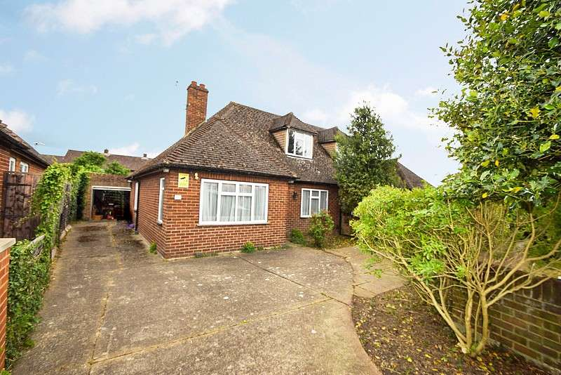 4 Bedrooms House for sale in Tilstone Avenue, Eton Wick, SL4