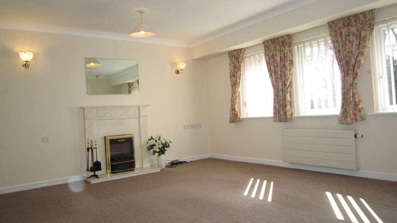 2 Bedrooms Apartment Flat for sale in York Way, Bracebridge Heath, LN4 2TS