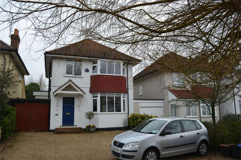 3 Bedrooms Detached House for rent in Hurst Road, Twyford, Berkshire, RG10