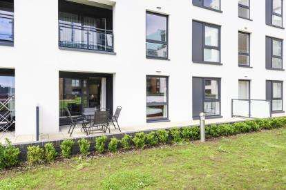 2 Bedrooms Flat for sale in Douglas House, Ferry Court, Cardiff, Caerdydd