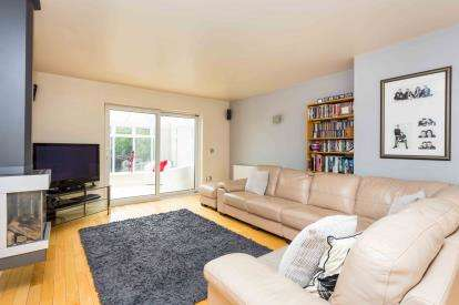 3 Bedrooms Detached House for sale in Sandringham Drive, Bramcote, Nottingham, Nottinghamshire