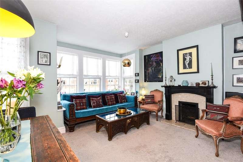 3 Bedrooms Maisonette Flat for sale in Queens Road, Uxbridge, Middlesex, UB8