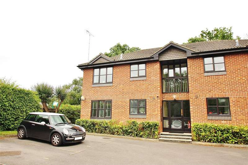 1 Bedroom Apartment Flat for sale in Southwood Avenue, Knaphill, Woking, Surrey, GU21
