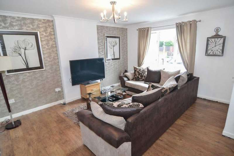 3 Bedrooms Town House for sale in Wellington Close, Newton Le Willows