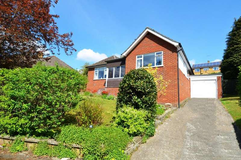 4 Bedrooms House for sale in Court Close, Downley, HP13