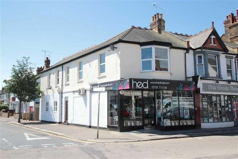 1 Bedroom Apartment Flat for sale in Beach Avenue, Leigh-On-Sea, Essex