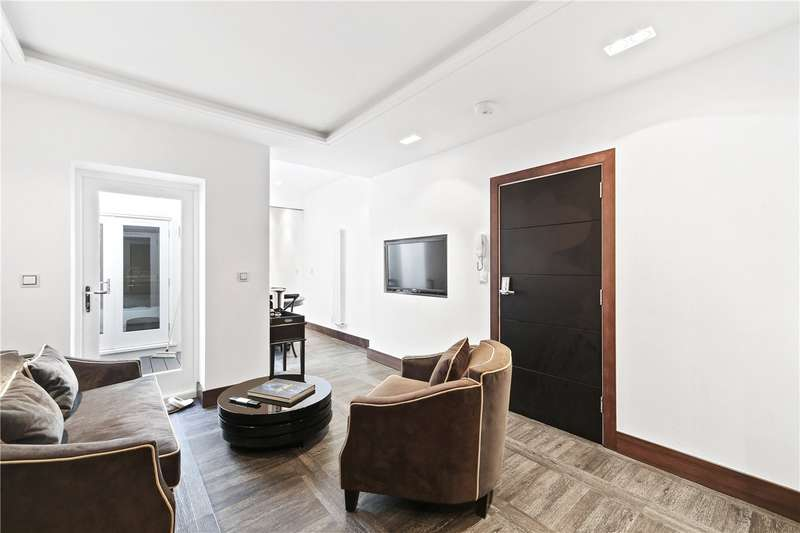 House for sale in Horn Lane, London, W3