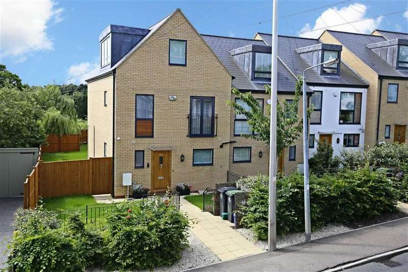 4 Bedrooms Property for sale in Meadow View, Ivy Chimney, Epping